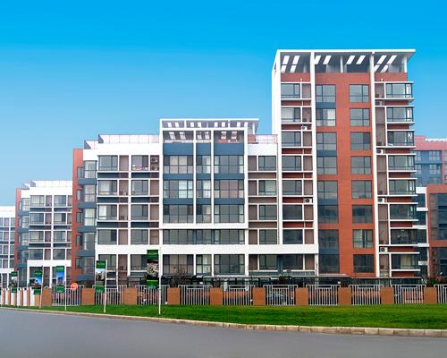 住宅区铝木门窗安装工程